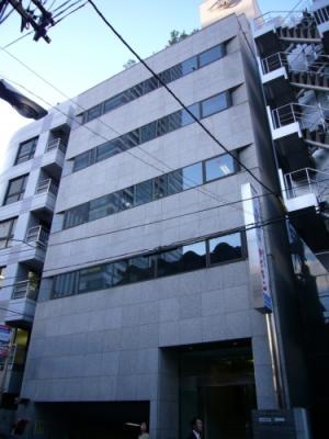 大阪市中央区高麗橋の貸事務所