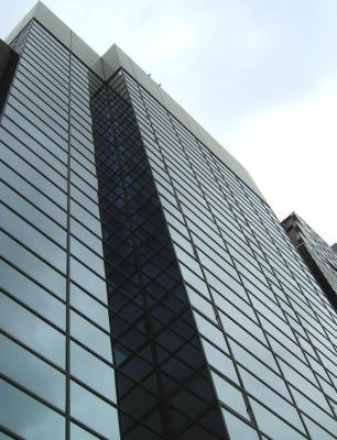 大阪市中央区難波の貸事務所