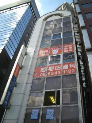 大阪市北区梅田の貸事務所