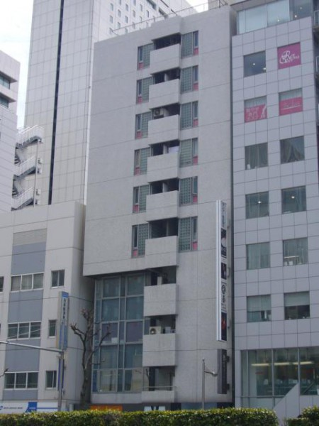 大阪市中央区西心斎橋の貸事務所